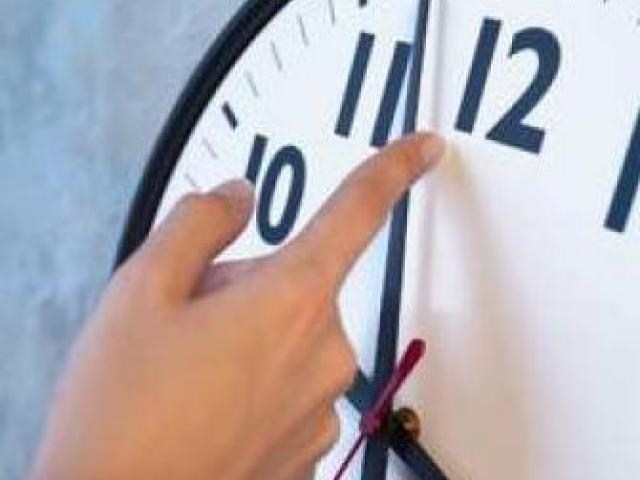 ORA DE IARNĂ 2014 | Efectele trecerii la ora oficială de iarnă