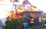 Incendiu la o cabană, pompierii au intervenit cu două autospeciale | VEZI amănunte