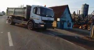 Trafic blocat pe DN 14 la Dumbrăveni