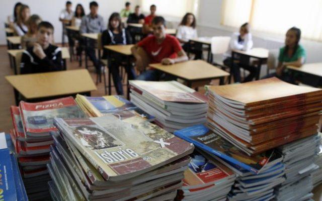 manual şcolar de bază